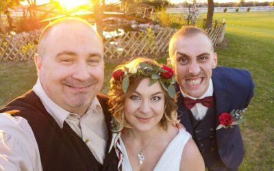 Vica & Jani – Ha tényleg valami igazán személyesre és rátok szabott tökéletes esküvőre vágytok Ő a Ti emberetek